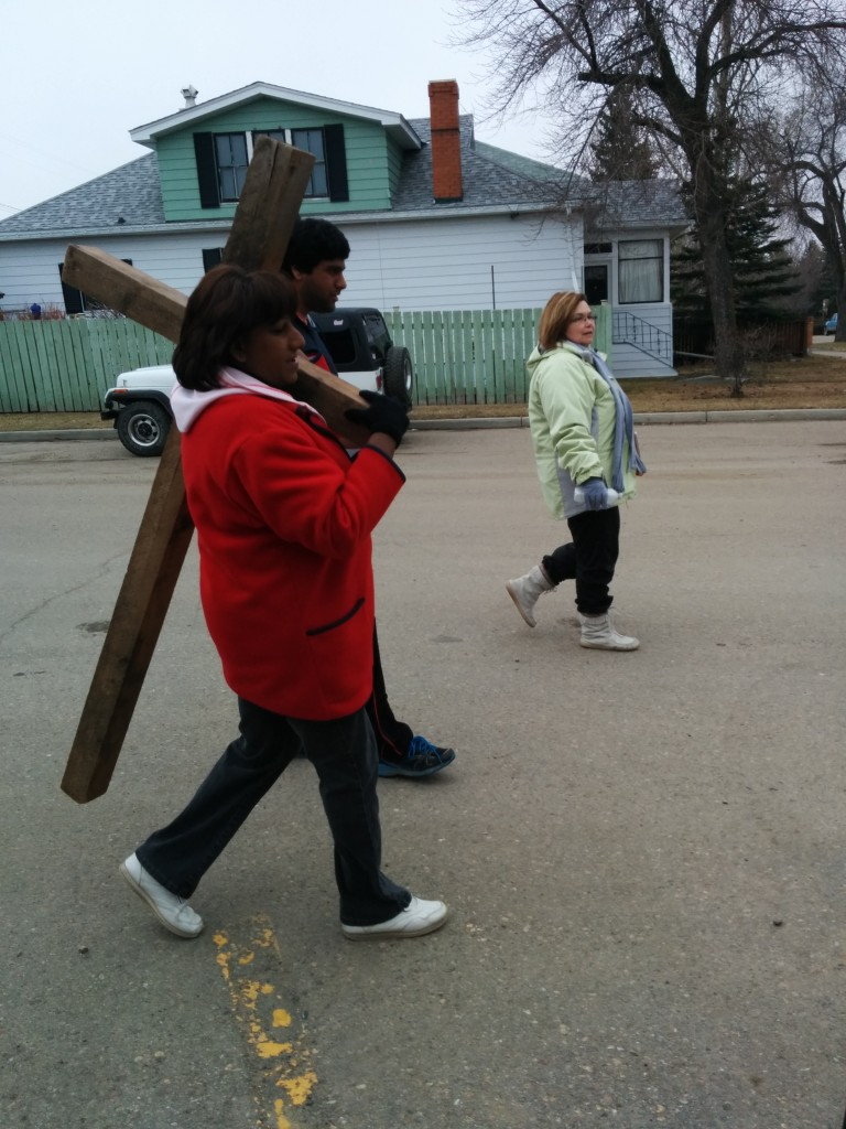 mom carrying the cross 2